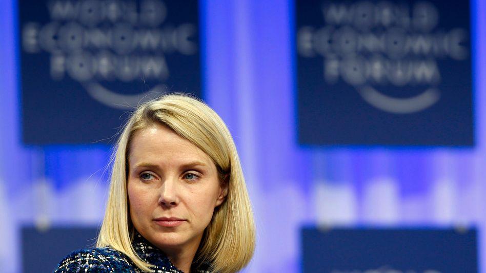 Zeigt sie jetzt die eingeforderte Härte? Einzelnen Aktionären reichen die Ankündigungen von Yahoo-Chefin Mayer nicht