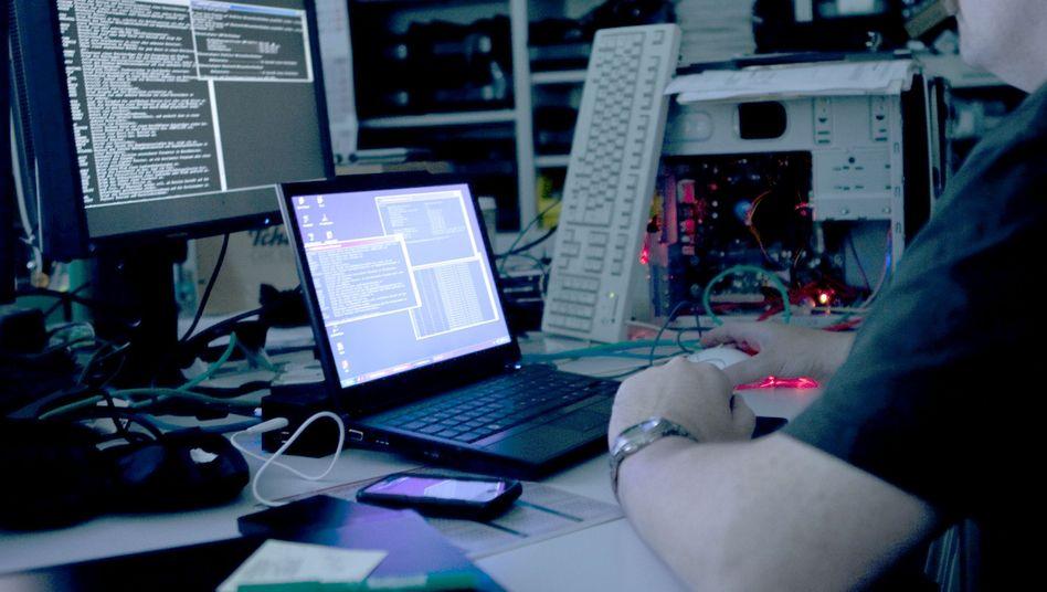 IT-Firma: Das Sicherheitsgesetz soll vor Ausspähung und Datenklau schützen