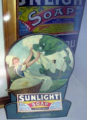 Sunlight Soap: Werbeaufstellerum1910