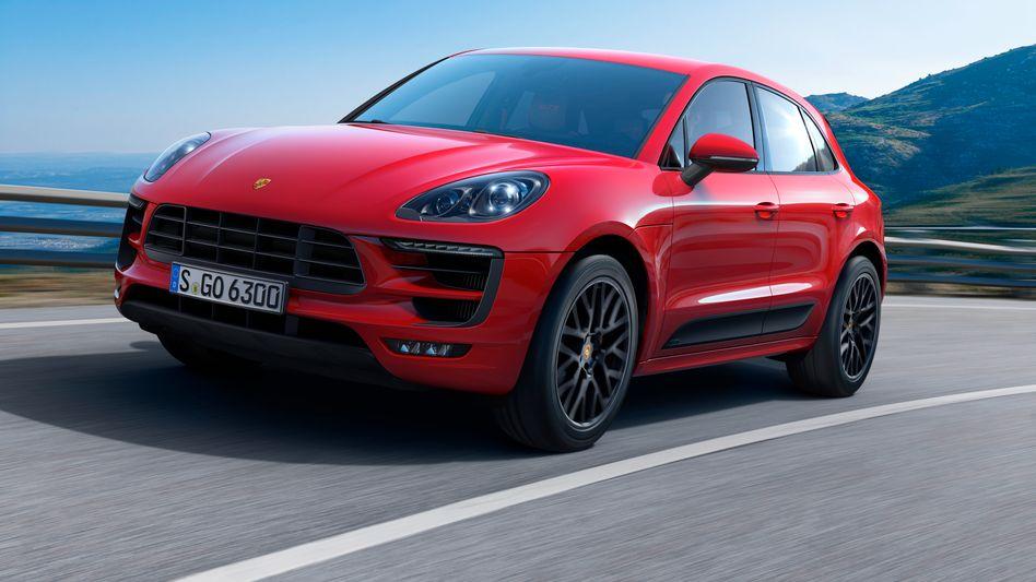 Eine Behörde des Verkehrsministerium schönte offenbar den Abgasprüfbericht zum Porsche Macan - und Minister Dobrindt soll schon Anfang 2016 davon gewusst haben