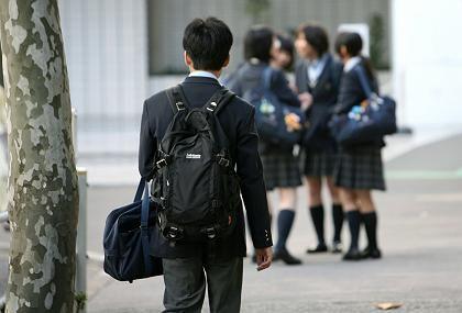 Das wichtigste Gut: Der Tagesplan junger Schüler in Asien ist extrem voll. In manchen Ländern wird sogar bis in den späten Abend hinein gepaukt. Diese hohe Priorität für Bildung wird in gar nicht allzu ferner Zukunft zu einem großen Vorteil der asiatischen Länder werden.