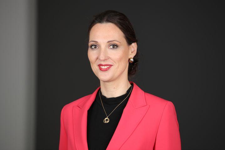 Valerie Holsboer (42) ist seit 2017 Vorständin für Ressourcen bei der Bundesagentur für Arbeit in Nürnberg und damit verantwortlich für Finanzen und Personal.