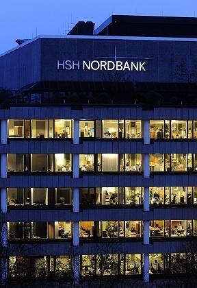 Milliardengrab: In der HSH-Zentrale in Hamburg muss man sich jetzt auch noch mit einem möglichen Betrugsfall eines ehemaligen Managers beschäftigen