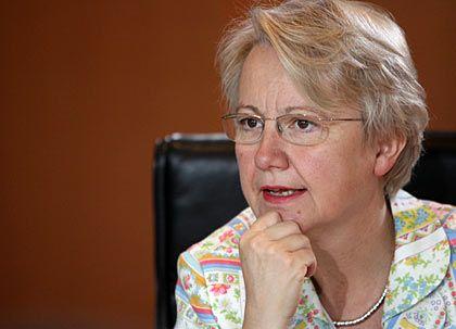 """Hat es in der Hand: Bundesforschungsministerin Schavan koordiniert die """"Nationale Qualifizierungsoffensive"""""""