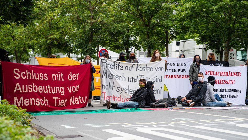 Blockade des Tönnies-Stammwerks in Rheda-Wiedenbrück am 4. Juli 2020