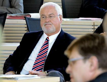 Neuwahlen: Schleswig-Holsteins Ministerpräsident Peter Harry Carstensen strebt eine Regierung mit der FDP an