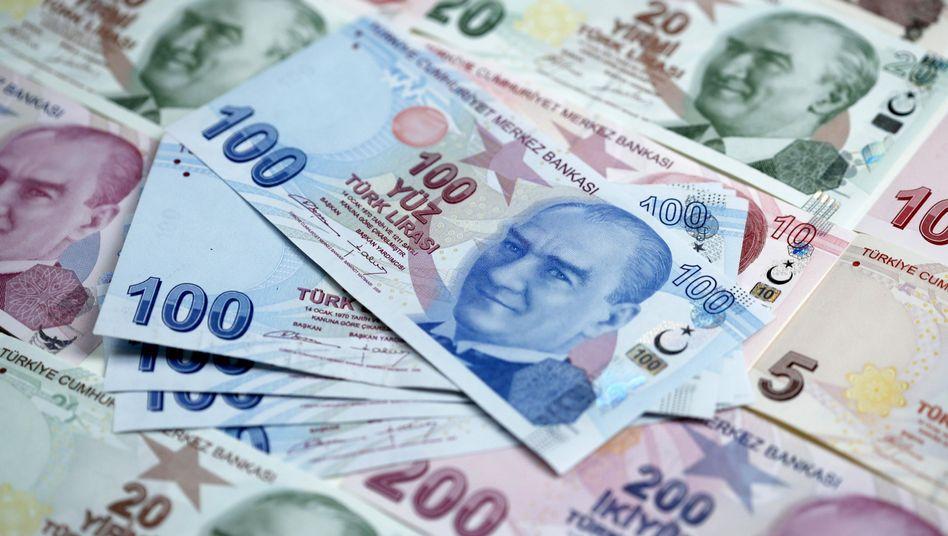 Türkische Lira: Bei einer Währungswette verlor ein Geschäftsmann mit einem komplizierten Produkt viel Geld