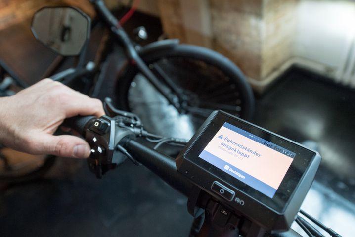 Infozentrale: Moderne E-Bikes zeigen auf Displays Funktionen an, manche verfügen beispielsweise auch über ein Navigationsgerät.