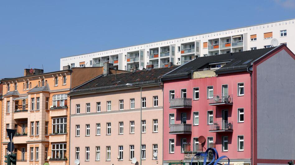 Wohnungen in Berlin: Mietpreisbremse verlängert, Maklercourtage halbiert