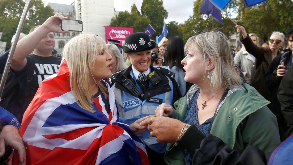 Brexit-Debatte auch auf den Straßen in London: Großbritannien geht erneut in die Verlängerung