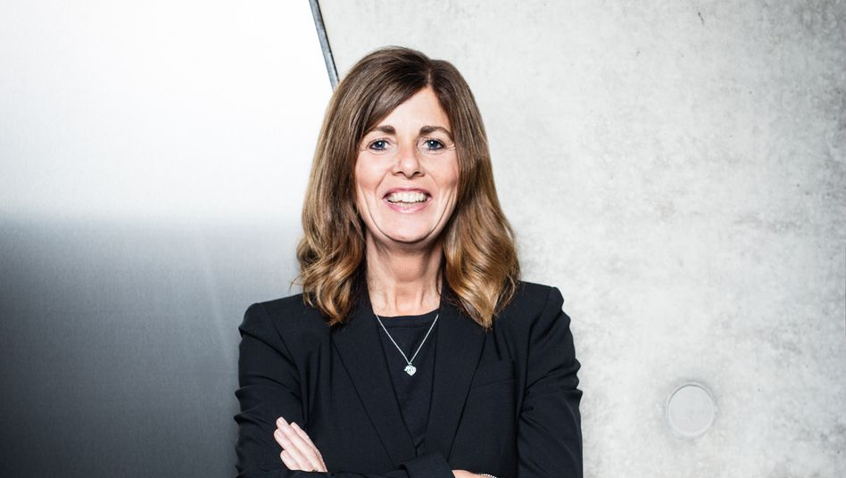 Bild aus besseren Zeiten: Karen Parkin, hier auf einem offiziellen Foto ihres Ex-Arbeitgebers Adidas.