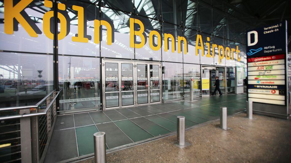 Flughafe Köln-Bonn: Kostenlose Corona-Tests für Urlaubs Rückkehrer
