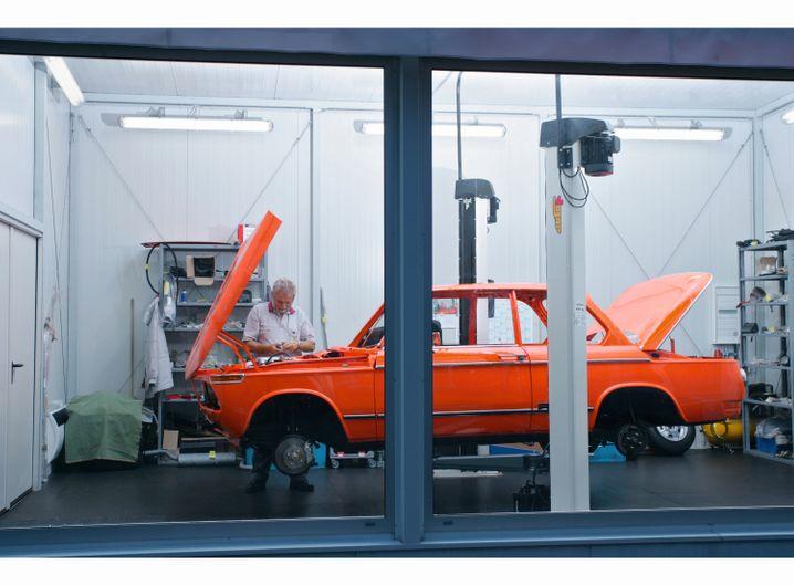 Neues altes Auto: Dieser BMW 2002 tii entstand vor ein paar Jahren zu 90 Prozent aus historischen Ersatzteilen.