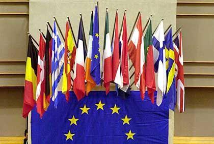 EU-Länder: 13 der 26 Staaten dürften Probleme bekommen, ihre Schuldenlasten durch Staatseinnahmen zu decken
