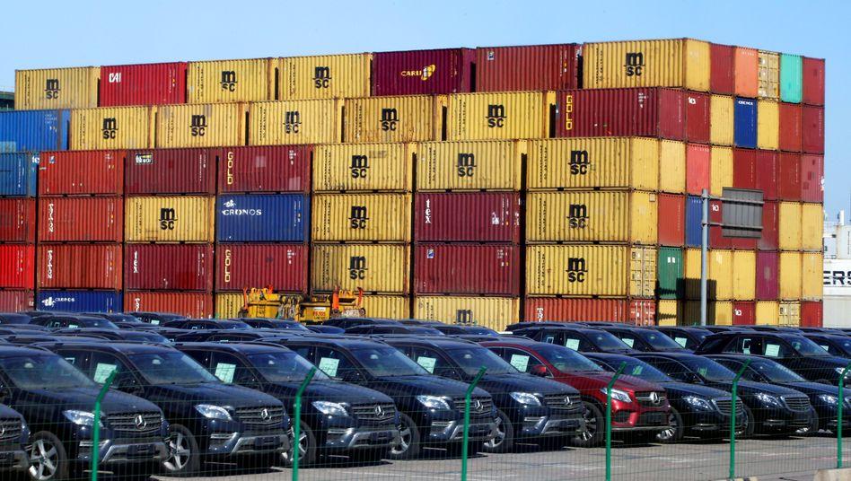 Mercedes-Benz-Autos in China: Die deutsche Luxusmarke ist in Fernost wieder gefragt.