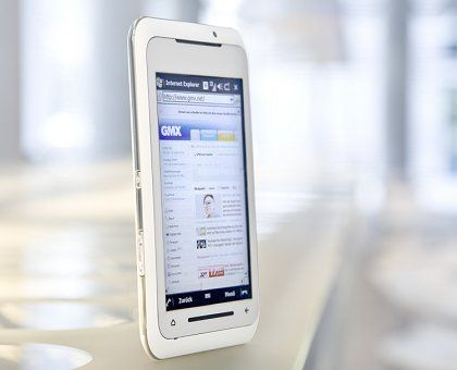 Toshiba TG01: Toller Bildschirm, aber leider mit veraltetem Windows Mobile an Bord