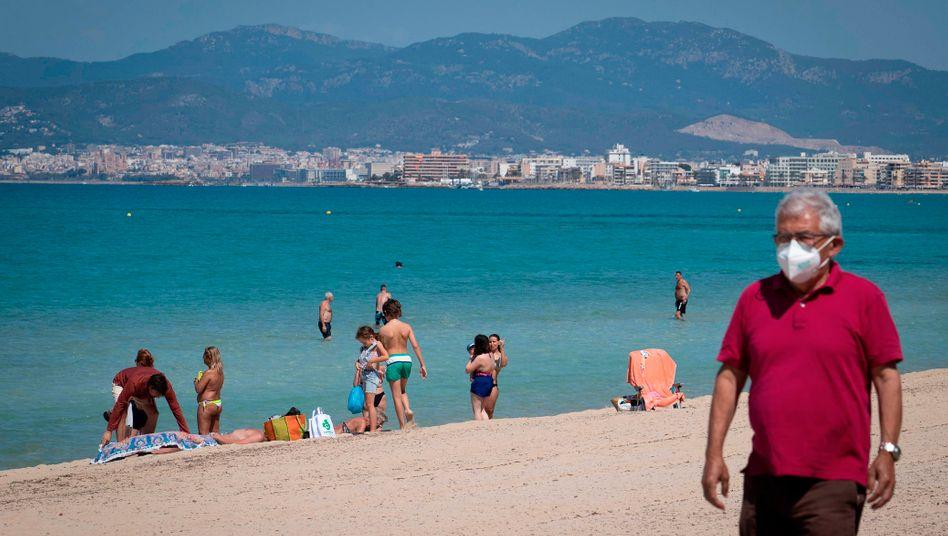 Bisher ist Palma Beach in Palma de Mallorca noch leer - ab nächster Woche dürfen 6000 Urlauber nach Mallorca