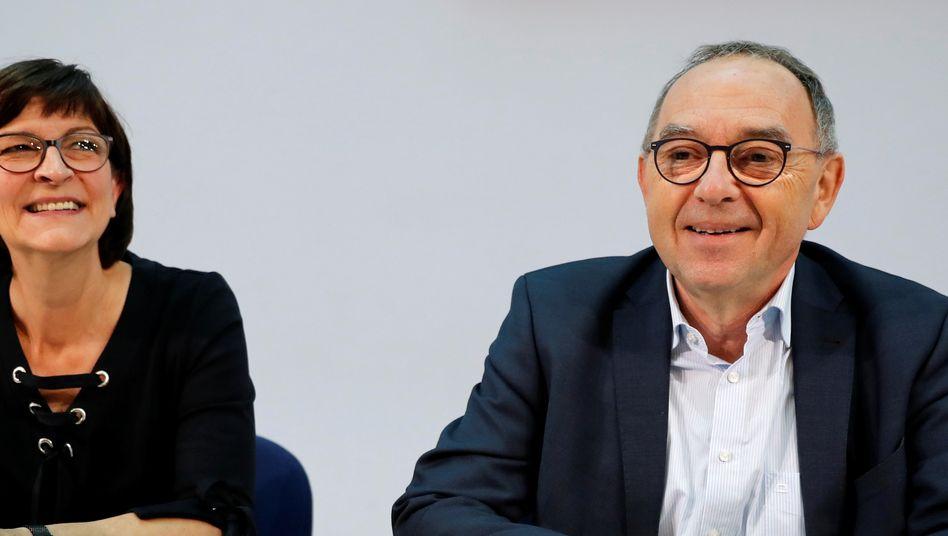 Saskia Esken und Norbert Walter-Borjans: Zeit, dass das neue SPD-Traumpaar sich emanzipiert- von der Funktionärs- und Posten-SPD sowie auch von sich selbst
