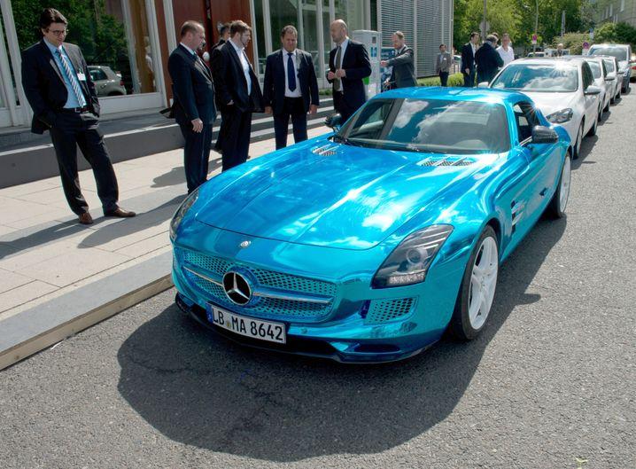 Mercedes SLS AMG electric drive: Enorme Beschleunigung, aber nur mickrige Reichweite mit einer Akkuladung