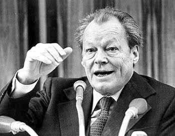 """Reale Lebensleistung:""""Man braucht Leute vom Kaliber eines Willy Brandt."""""""