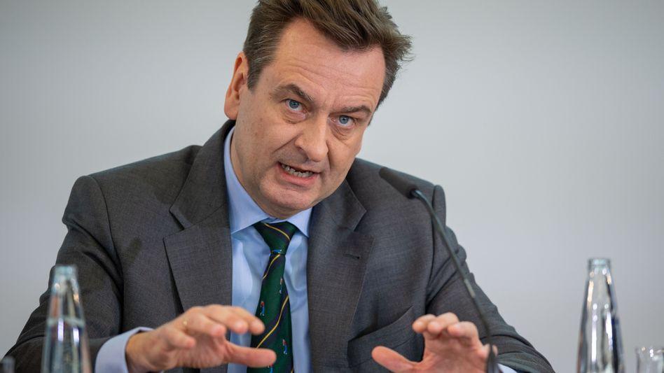 Munich Re-Chef Joachim Wenning wagt für das Gesamtjahr keine Prognose