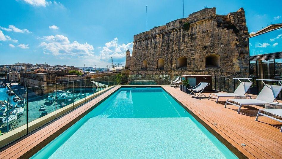 UMGEPOOLT Aus der alten Festung wurde ein Luxushotel