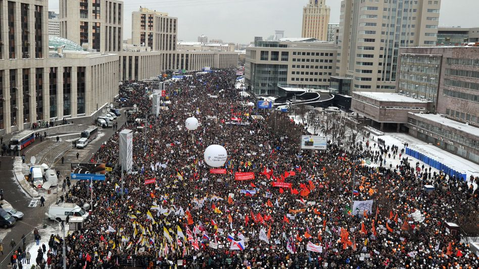 Heiligabend 2011 in Moskau: Zehntausende demonstrieren gegen die Wahlergebnisse vom 4. Dezember