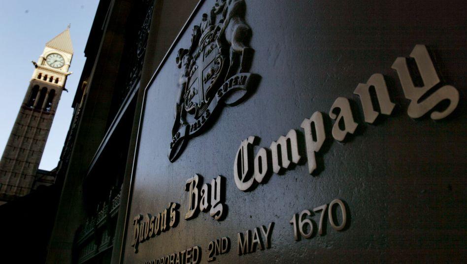 Hudson's Bay Company-Schild in Toronto: Die angeschlagene Firma bastelt an ihrer Sanierung