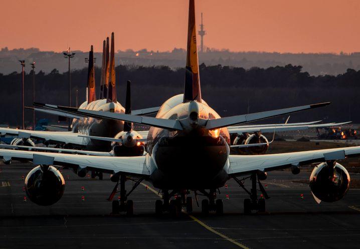 Eine Million Euro Verlust pro Stunde: Lufthansa-Jets am Boden.