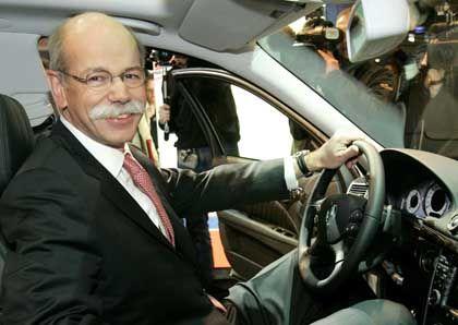 Ruf der Kanzlerin: DaimlerChrysler-Chef Zetsche fährt demnächst öfter nach Berlin