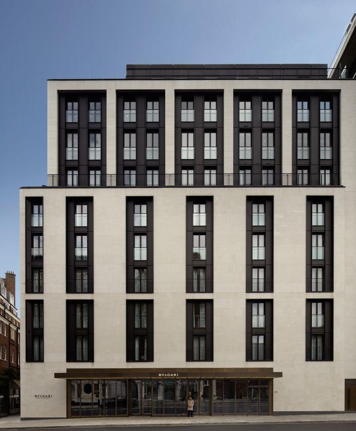 Edles Understatement von außen: Bulgari Hotel & Residences London