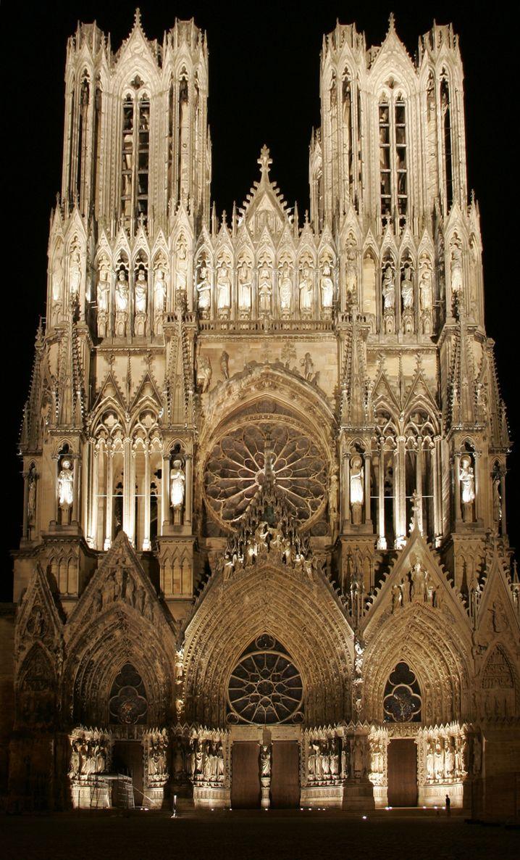 Luxus, der über die reine Sinnlichkeit hinausweisen soll: Die prächtige Kathedrale von Reims