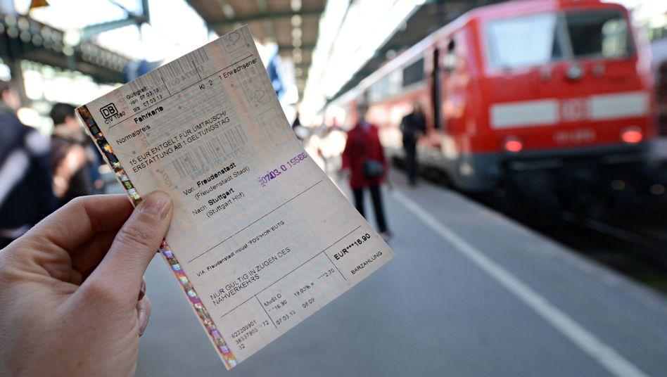 Künftig teurer: Bis auf wenige Ausnahmen müssen Bahnkunden in Deutschland ab Mitte Dezember mehr bezahlen