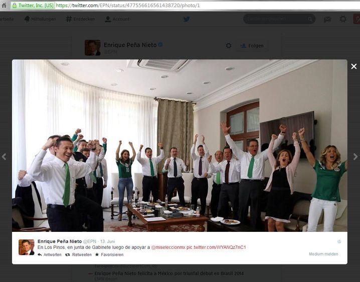 Enrique Peña Nieto (hinten in der Mitte): Jubeln wie der Präsident
