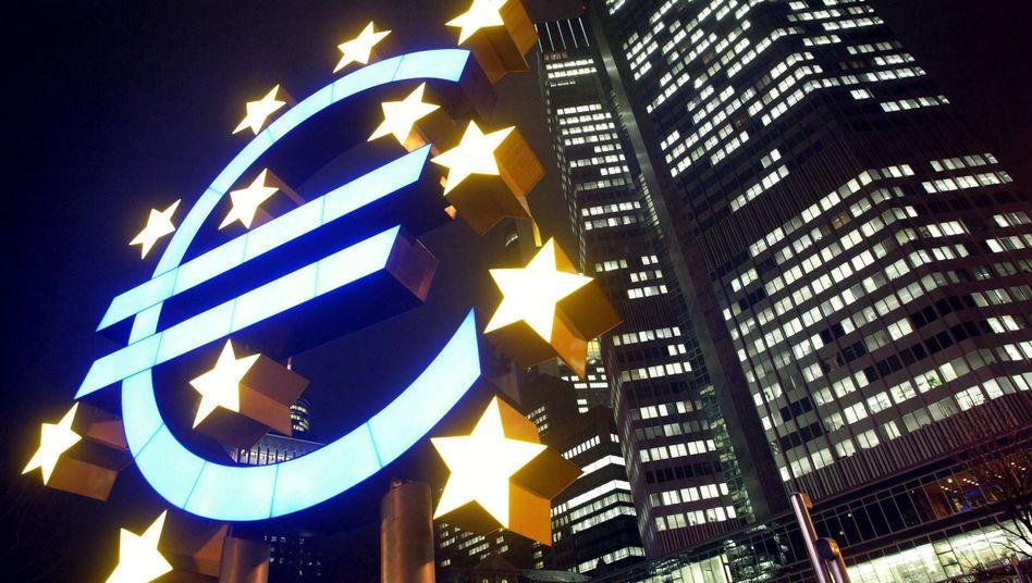 EZB: Ein strahlender Euro? Die Zentralbank steht vor schwierigen Entscheidungen