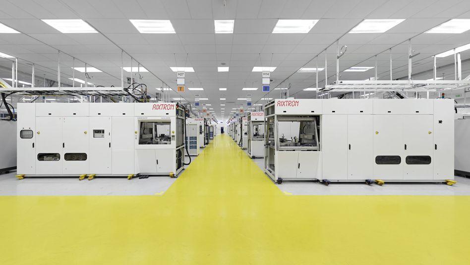 Produktionshalle bei Aixtron: Der chinesische Fonds Fujian bietet 6 Euro je Aktie für den Maschinenbauer