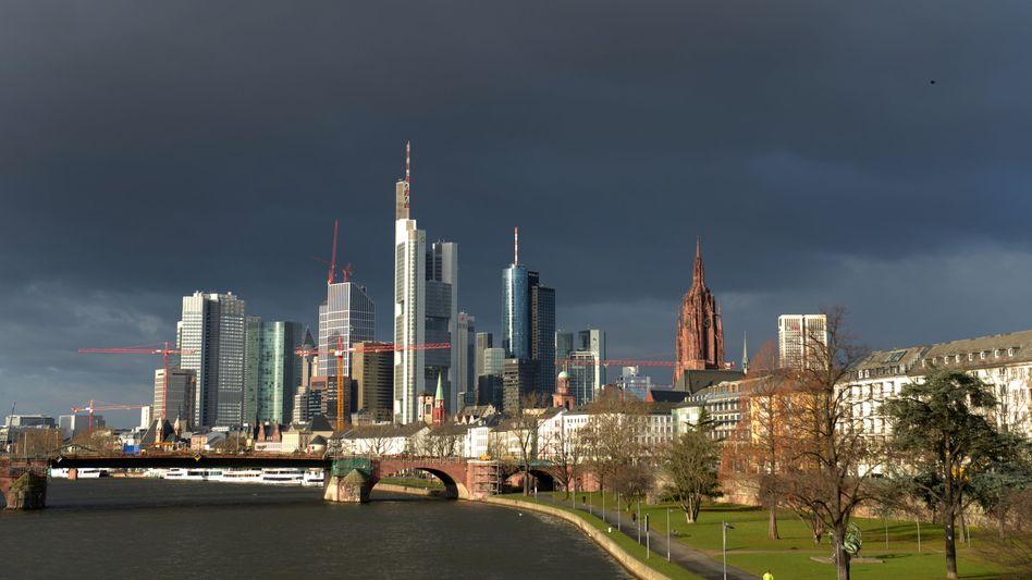 Frankfurter Skyline: Der europäische Bankensektor befindet sich weiterhin in einer kritischen Situation