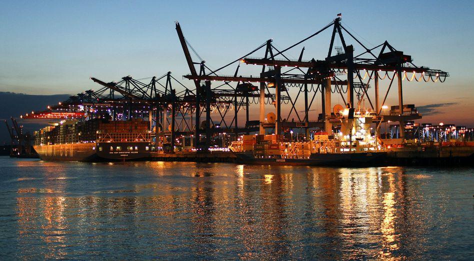 Containerterminal im Hamburger Hafen: Von Januar bis November haben die deutschen Unternehmen Waren im Wert von 976 Millionen Euro ausgeführt