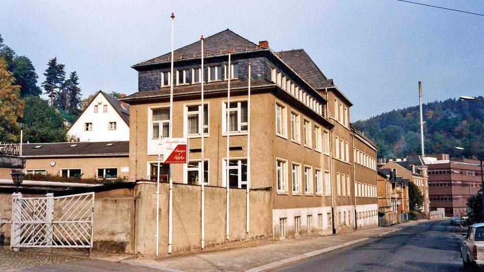 Aufbauarbeit: A. Lange & Söhne zog nach der Wende in das ehemalige Robotron-Gebäude in Glashütte ein
