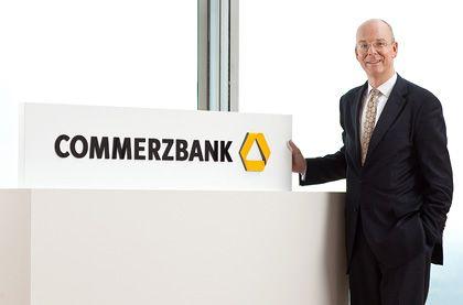 Neues Logo: Die Commerzbank orientiert sich am Markenauftritt der Dresdner Bank