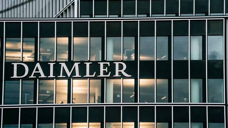 Düstere Stimmung: In der Daimler-Zentrale in Stuttgart sorgen die Papiere für Unruhe