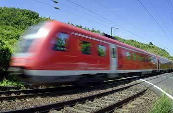 Arme Bahnfahrer: Insbesondere sie müssen sich auf höhere Fahrpreise einstellen