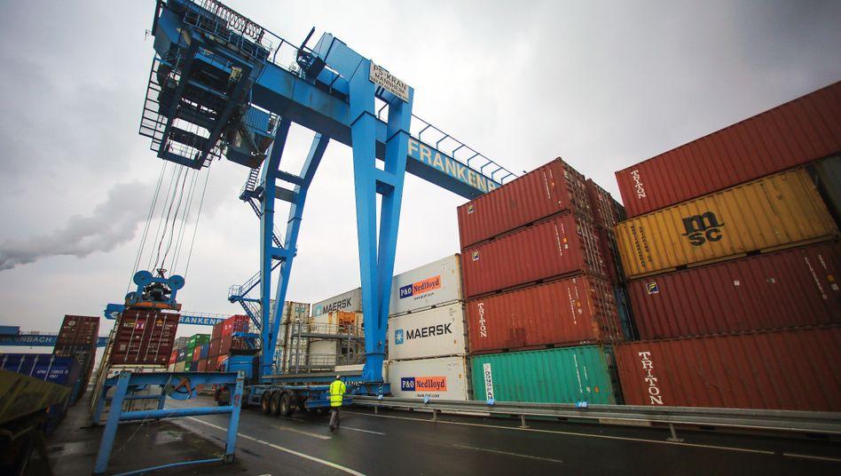 Container (in Mainz): Möglicher Schaden von bis zu drei Milliarden Euro