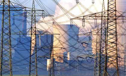 Hochspannung: Zum 1. Juli wollen viele Stromanbieter ihre Preise teils drastisch erhöhen