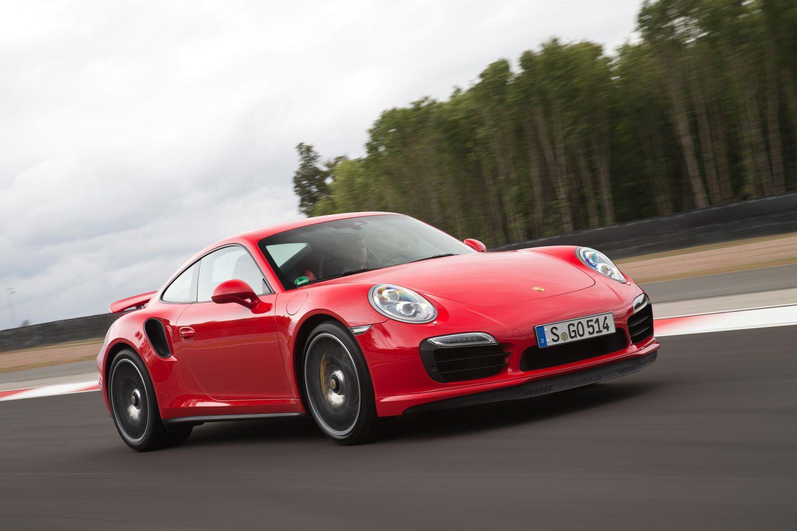 2013 / Porsche 911 Turbo S