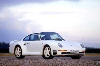 Porsche 959 (Modelljahr 1986). Der 959 war das bislang stärkste Serienmodell. Er verfügte über elektronisch geregelten Allradantrieb und Register-Turboaufladung
