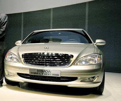 Hybridmodell der Mercedes S-Klasse: Welcher der beiden Motoren aktiv ist, lässt sich im Armaturenbrett ablesen