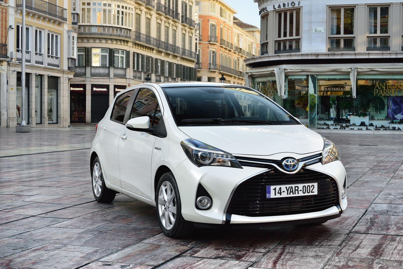 2014 / Toyota Yaris Hybrid