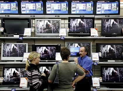 Im Dschungel der Fernsehgeräte: Bei der riesigen Auswahl fällt die Entscheidung schwer
