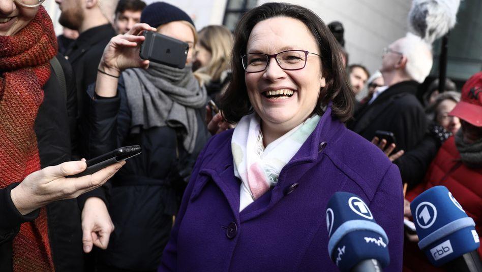 Andrea Nahles, SPD-Fraktionsvorsitzende im Bundestag, freut sich über das Ergebnis des SPD-Mitgliedervotums